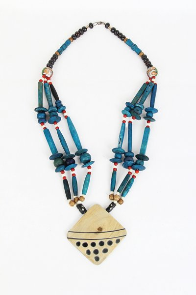 Fashionable Sky Blue Wooden Necklace